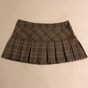 Gadzooks Skirts - LIKE NEW Gadzooks Plaid Pleated Mini Skirt